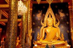 Изображение Phra Phuttha Chinnarat Будды на виске Wat Phra Si Rattana Mahathat в Phitsanulok, Таиланде Стоковая Фотография