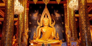 Изображение Phra Phuttha Chinnarat Будды на виске Wat Phra Si Rattana Mahathat в Phitsanulok Стоковые Изображения