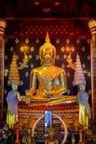 Изображение Phra Phuttha Chinnasi Будды на виске Wat Phra Si Rattana Mahathat в Phitsanulok, Таиланде Стоковые Изображения