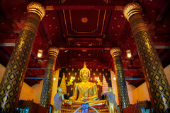 Изображение Phra Phuttha Chinnasi Будды на виске Wat Phra Si Rattana Mahathat в Phitsanulok Стоковые Изображения
