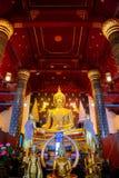 Изображение Phra Phuttha Chinnasi Будды на виске Wat Phra Si Rattana Mahathat в Phitsanulok Стоковое фото RF