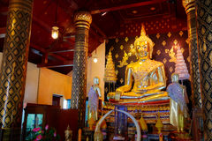 Изображение Phra Phuttha Chinnasi Будды на виске Wat Phra Si Rattana Mahathat в Phitsanulok Стоковое Изображение RF