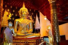 Изображение Phra Phuttha Chinnasi Будды на виске Wat Phra Si Rattana Mahathat в Phitsanulok Стоковые Изображения RF