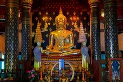 Изображение Phra Phuttha Chinnasi Будды на виске Wat Phra Si Rattana Mahathat в Phitsanulok Стоковые Фотографии RF