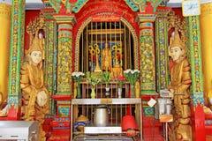 Изображение ` s Будды пагоды Shwedagon, Янгон, Мьянма стоковое фото rf