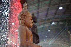 Изображения Будды и священные вещи которые поклоняются буддизм стоковое изображение rf