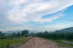 Изображения горы отрезали небо в утре Стоковое Изображение RF