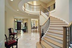 изогнутая лестница фойе Стоковые Фотографии RF