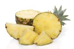 изолированная белизна отрезанная ананасом Стоковые Изображения RF