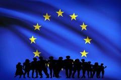 Изолированная группа в составе флага Европы многокультурная молодые люди разнообразия интеграции иллюстрация вектора