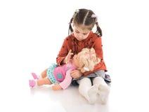 изолированная девушка куклы немногой белому Стоковые Изображения RF
