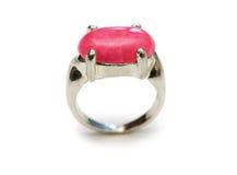 изолированная красная белизна камня кольца Стоковое Фото