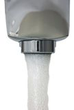 изолированная крупным планом вода из крана макроса Стоковые Изображения RF