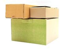 Изолированная крышка квадратного коричневого цвета коробки открытая Стоковое Изображение RF