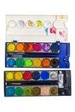 изолированная предпосылкой белизна палитры краски стоковые фотографии rf