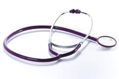изолированная предпосылкой медицинская белизна стетоскопа Стоковое Изображение