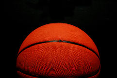 изолированная чернота баскетбола Стоковые Изображения