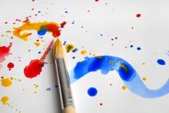 изолированная щеткой белизна краски стоковые изображения rf