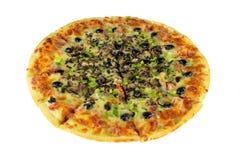 Изолированное полное пиццы Quattro Stragioni Стоковое фото RF