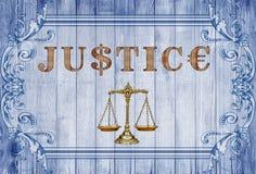 изолированное правосудие над маштабами белыми стоковое изображение rf
