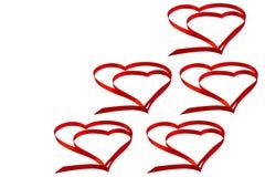Изолированное сердце красной ленты на белой предпосылке для Вейл Стоковая Фотография RF
