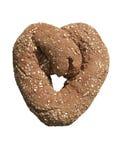 изолированное сердце хлеба сформированным Стоковое Фото