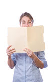 изолированные документы дела читающ белую женщину стоковые изображения