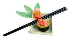 изолированные палочками суши плиты Стоковые Изображения RF