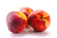 изолированные персики белые Стоковые Изображения
