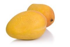 изолированные предметы мангоов стоковое изображение rf