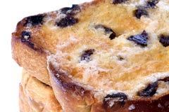 изолированные хлебом toasted ломтики изюминки стоковое фото rf