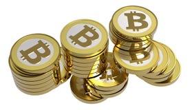 изолированные bitcoins штабелируют белизну Стоковое Изображение