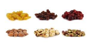 изолированные nuts изюминки белые стоковые изображения rf