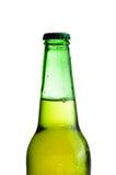 изолированный бутылочный зеленый пива Стоковое фото RF