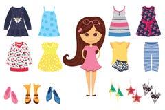 Изолированный квартирой значок моды ребёнка установил с стильной маленькой девочкой и его различными одеждами Стоковые Фотографии RF