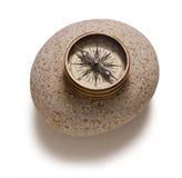 изолированный компас стоковые изображения