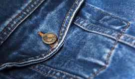 Изолированный крупный план синего пиджака карманный Стоковое фото RF