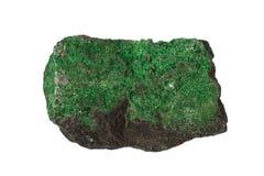Изолированный минерал Uvarovite Стоковое фото RF