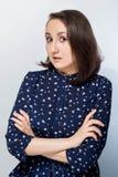 Изолированный портрет усмехаясь бизнес-леди стоковая фотография rf