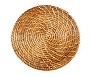 изолированный предпосылкой wicker белизны плиты Стоковое Фото
