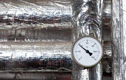 изолированный термометр труб Стоковые Фото