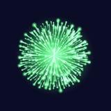 изолированный феиэрверк Красивый зеленый фейерверк на темной предпосылке неба Яркая рождественская открытка украшения, С Новым Го иллюстрация штока