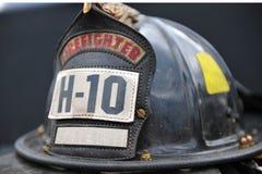 изолированный шлем firemans Стоковое Изображение