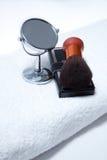 изолировано сделайте зеркалом установленное полотенце вверх по белизне Стоковая Фотография RF