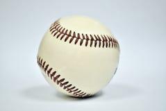 изоляция бейсбола шарика Стоковое Фото