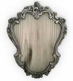 Изолированная белая деревянная богато украшенная рамка с жестким картоном стоковое изображение