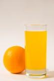 изолированная белизна сока померанцовая Стоковая Фотография