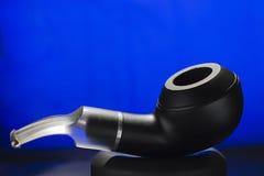 изолированная белизна табака трубы Стоковые Изображения RF