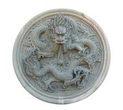 Изолированная винтажная китайская каменная статуя дракона Стоковое фото RF