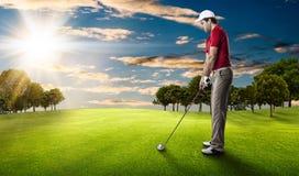 изолированная гольфом студия съемки игрока Стоковое Фото